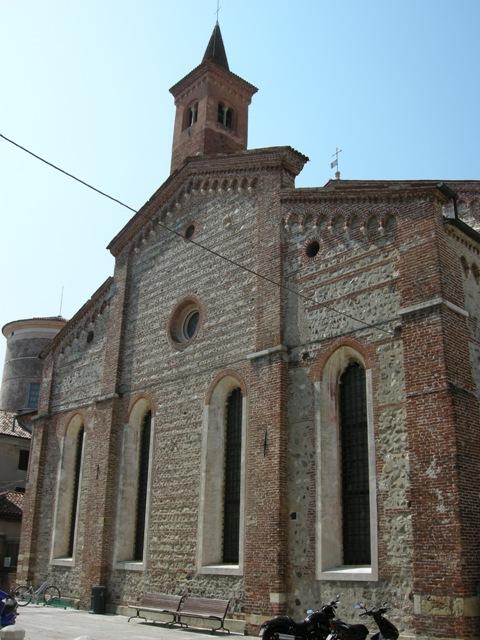 internet_-_lato_est_della_chiesa_-__bella_-_DSCN0624
