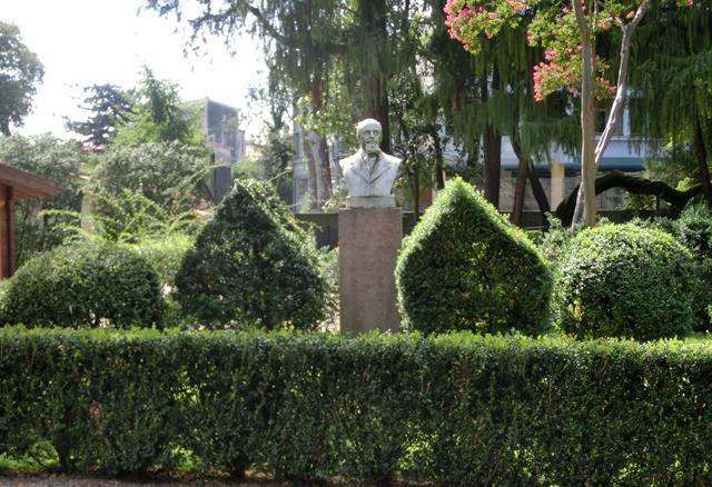 giardino_parolini_-_INTERNET_----_640X_----spiazzo_davanti_agostinelli_-OKOKOK__09-08-16_-_CIMG0193