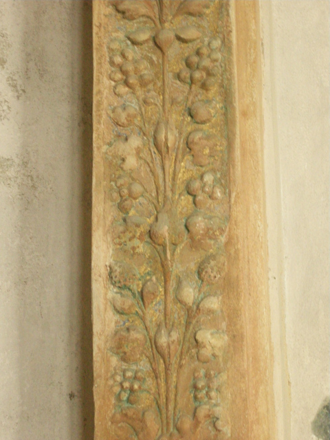 2012_-_BASSANO_-_CHIESETTA_SMARIA_decorazione_edicola_dx_-_ok_-_DSCN0289