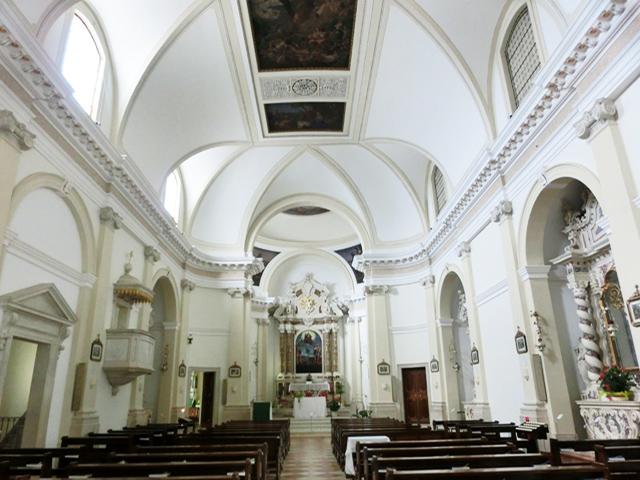 04-OK_-_pove_interno_della_chiesa_CIMG0526