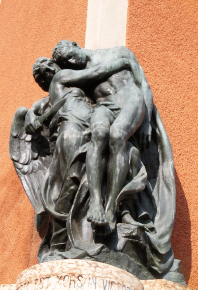 0009_-_monumento_funebre_dettaglio__-_CIMG1053