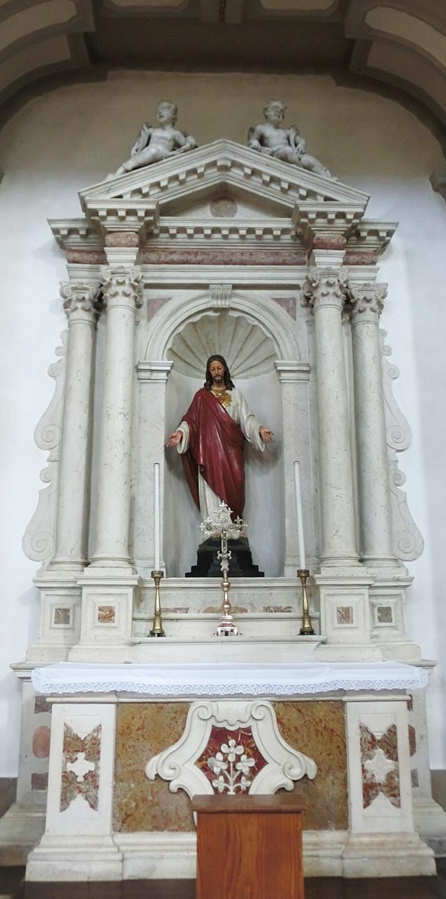 altare_sacro_cuore_-_640_X_1291_-CIMG4373