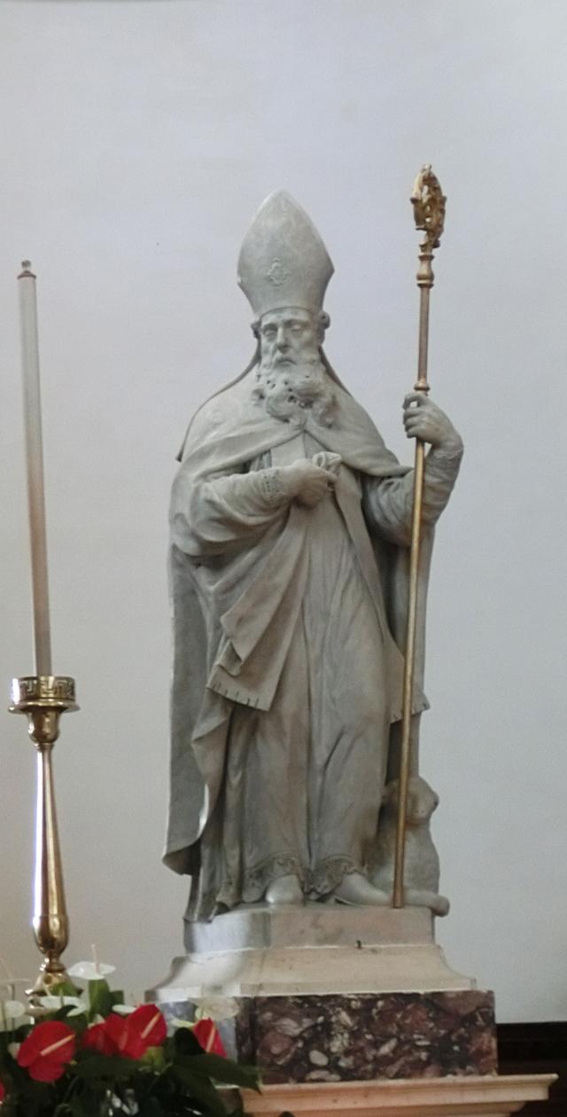 statua_di_san_spiridione_a_destra_altare_CIMG4381