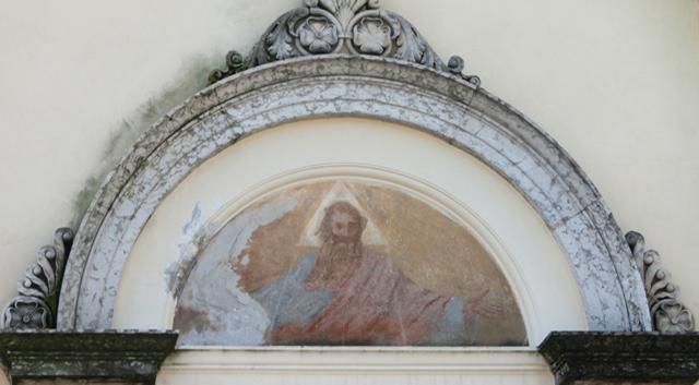 _005_facciata_chiesa_lunetta_centrale-_CIMG5175