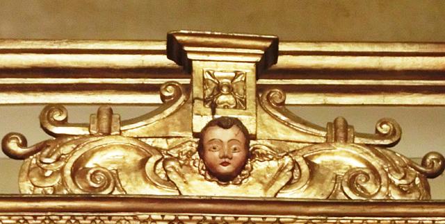 _020_cappella_santantonio_-_altare__in_legno_dettaglio_-_CIMG5205