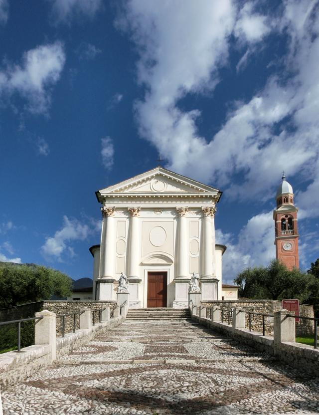 001_-_esterno_-_chiesa_e_campanile_-_CIMG5394