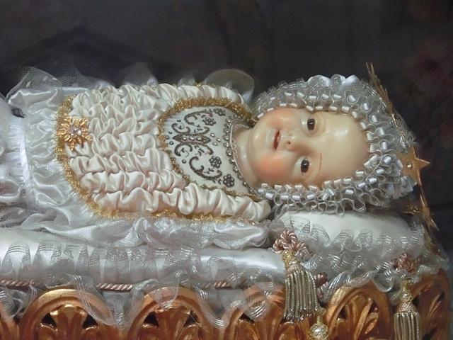 OK_-_003aaa_-_maria_bambina_altare_della_madonna_CIMG6298