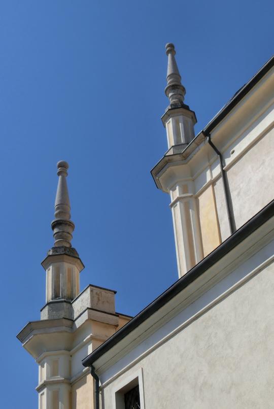 romano_dezz_-_chiesa_-_540x_due_pinnacoli_-CIMG6867