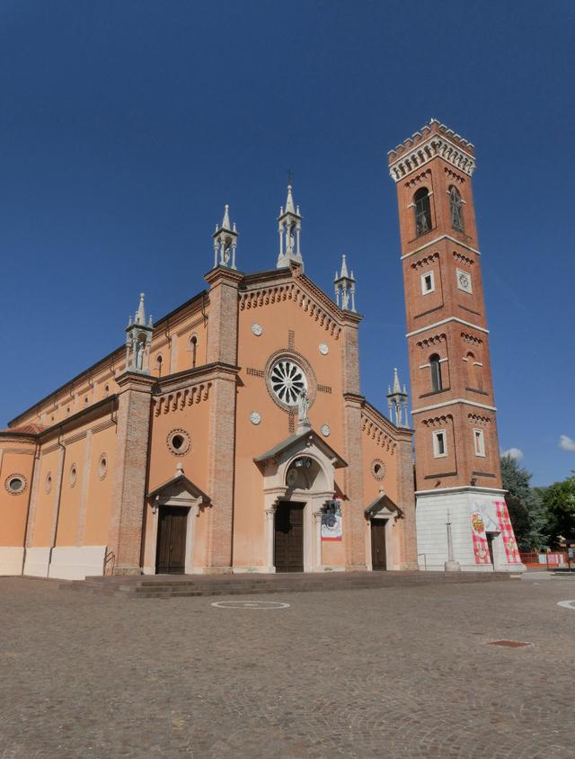FELLETTE_-_ESTERNO_-_CHIESA_-_chiesa_e_campanile_INSIEME_-_640X844_-__assieme_-_CIMG7340