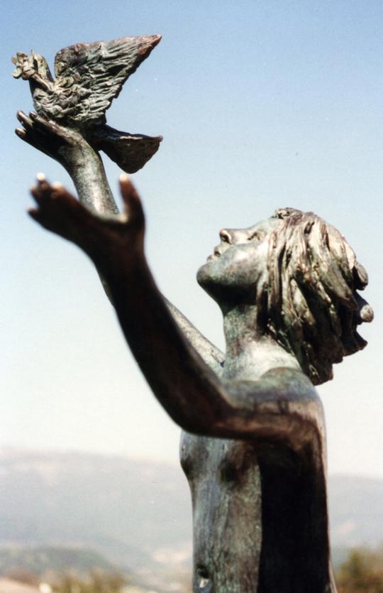 1997_-_02_-_540x_-_monumento_alla_pace_-_BIO_-_AGNINI_-_595