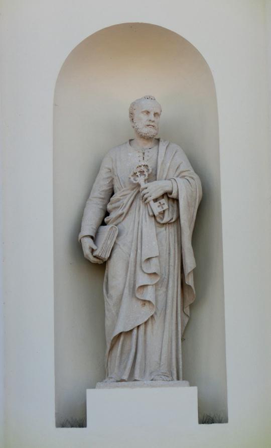 chiesa_di_nove_-_esterno_-_facciata_-_005_-_nicchia_e_statua_di_sc_quella_di_san_pietro_-_INTERNET_-_540_-_CIMG8589