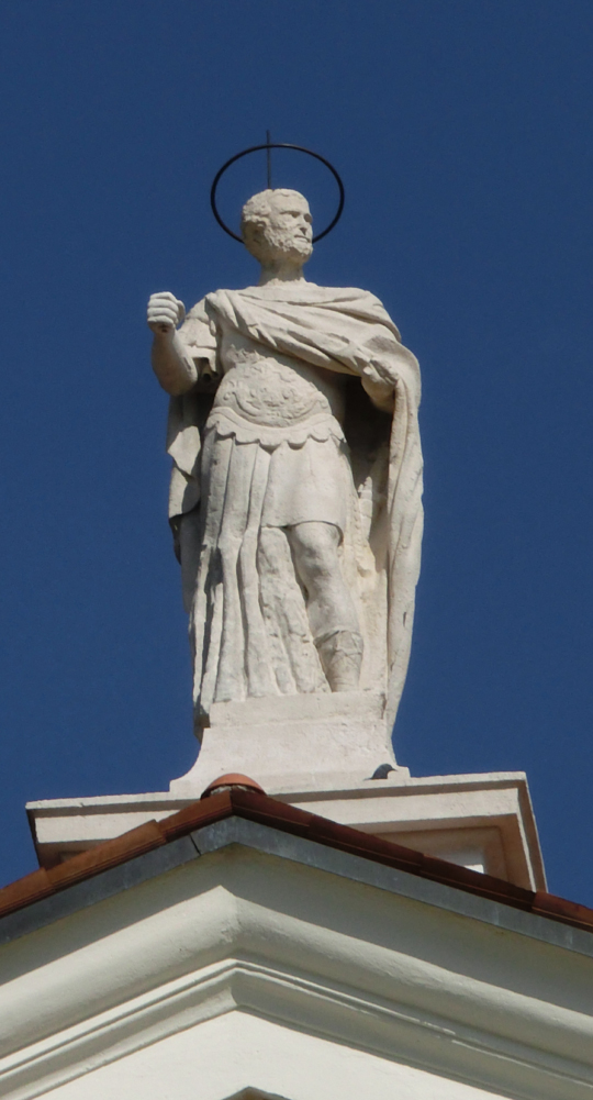 chiesa_di_nove_-_esterno_-_statua_acroteriale_centrale_della_chiesa_-_INTERNET_-_540X1001_-_CIMG0208