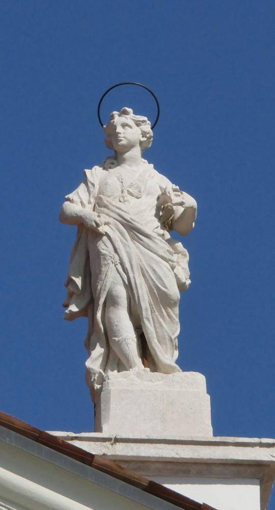 chiesa_di_nove_-_esterno_-_statua_acroteriale_dx_chiesa_bis_-_INTERNET_-_540X1001_-_CIMG0211