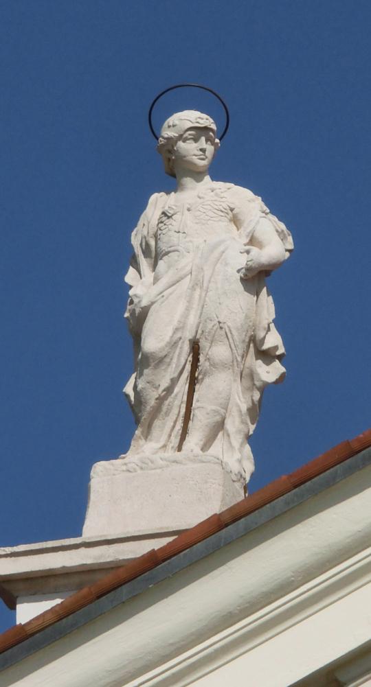chiesa_di_nove_-_esterno_-_statua_acroteriale_sx_chiesa__-_INTERNET_540X1001_-_CIMG0209