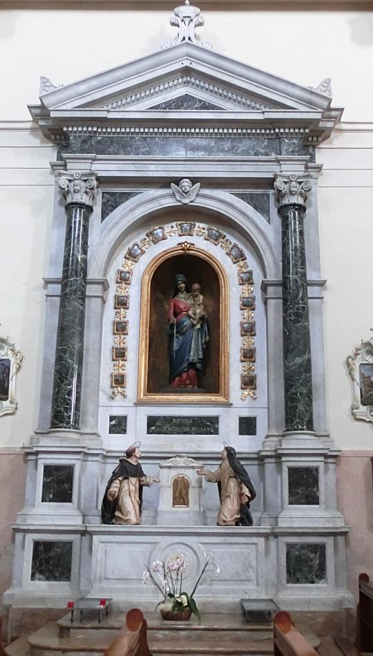 chiesa_di_nove_-_interno_-_PARETE_NORD_-_001_-_altare_della_madonna_del_rosario_-_nel_suo_insieme_OK_-_INTERNET_-_540_CIMG4604