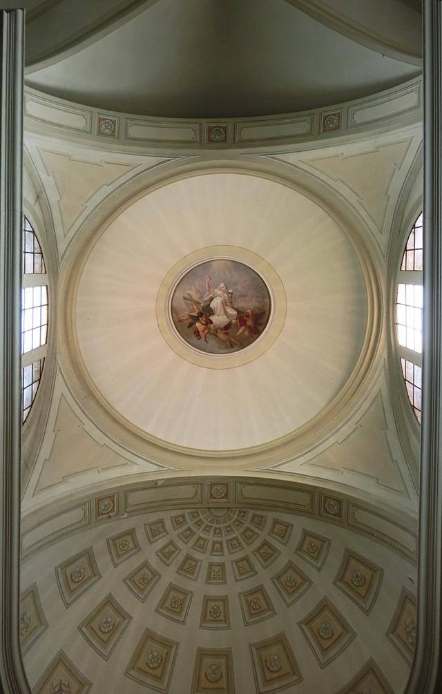 chiesa_di_nove_-_interno_-_presbiterio_-_cupola_-__INTERNET_640_X_-_LE_CUPOLE_CIMG4628