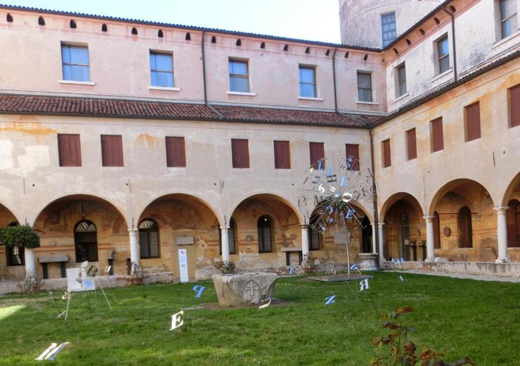 bassano1_-_museo_-_allesterno_-_dandelion_-_740_Lx_---CIMG2653