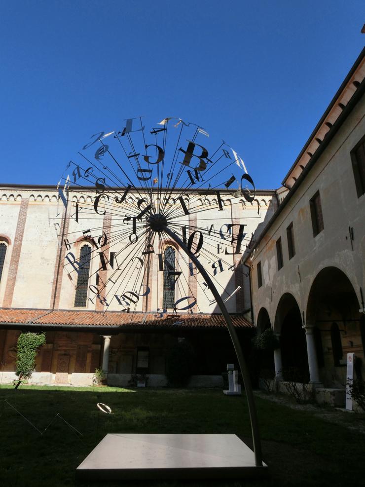 bassano4_-_museo_-_allesterno_-_dandelion_----740_Lx_---_CIMG2656