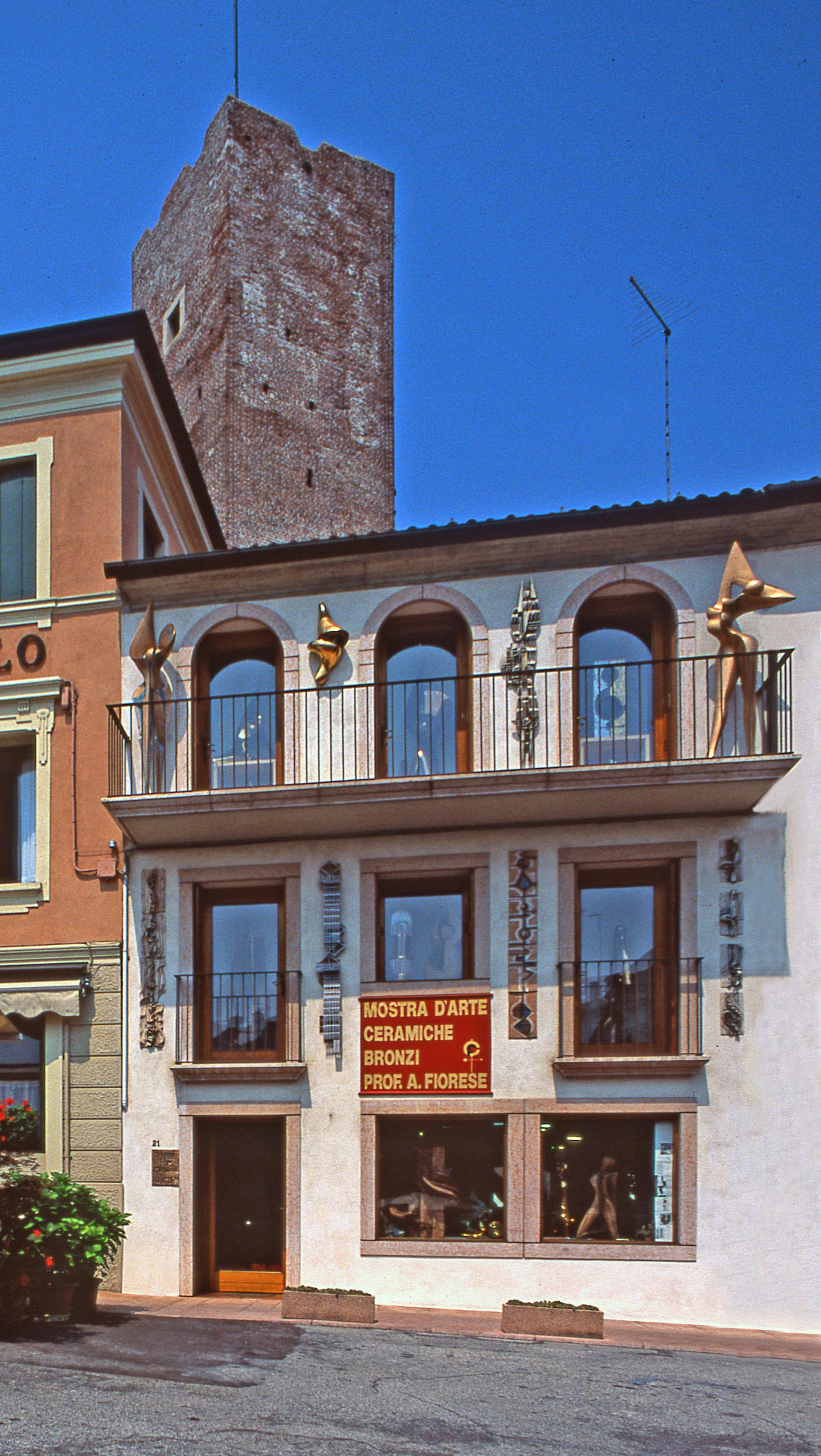 1985_-_164_Piazza_Terraglio_Via_Bonamigo_n21_36061_Bassano_del_Grappa_1985