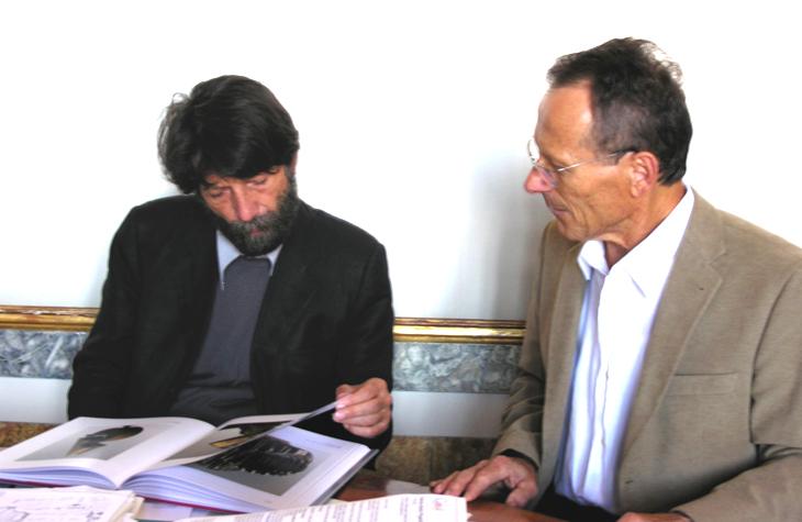 2007.10_-_Foto_con_Massimo_Cacciari_Sindaco_di_Venezia_-_okokok__---740X_---__02.10.2007a
