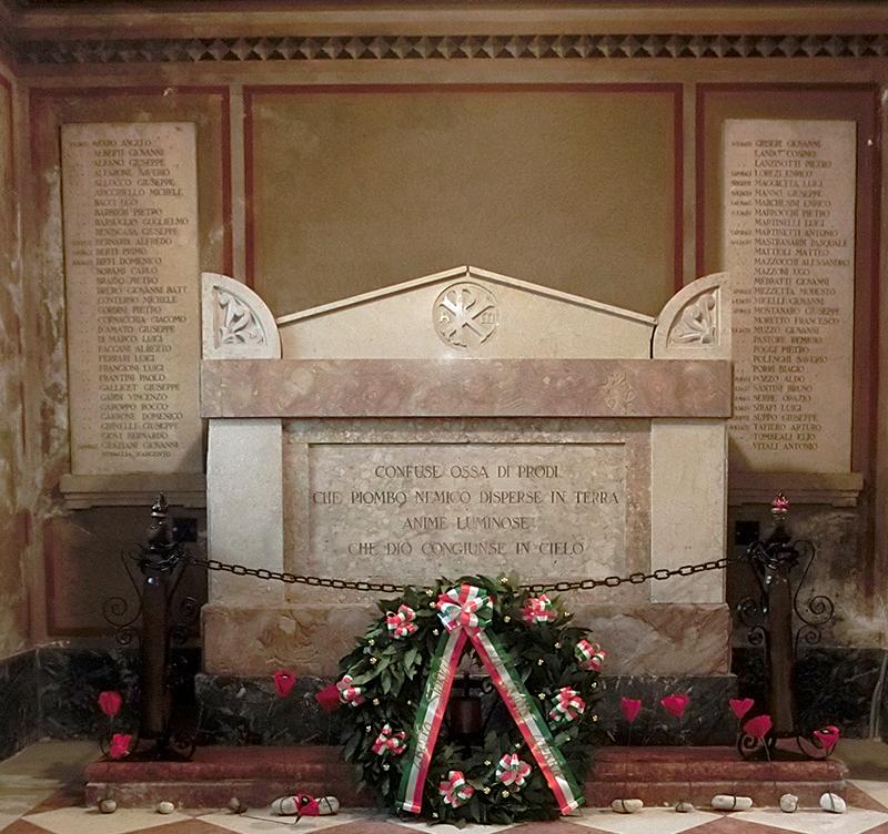 bassano 8000 sarcofago ignoti ossario tomba delle ossa di morti senza nome CIMG7099 copia